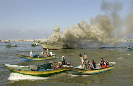 gaza boats.jpg
